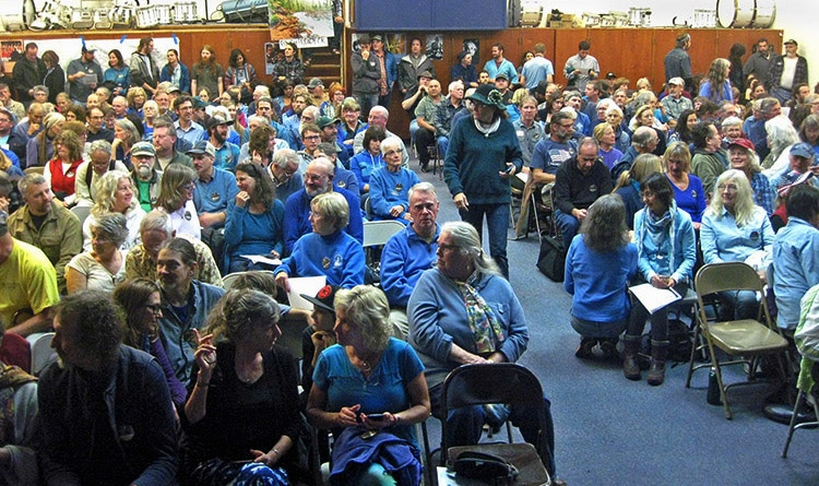 crowd at Southwest Oregon Mineral Withdrawal hearing