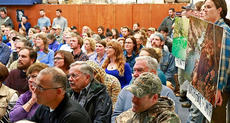 crowd at Southwest Oregon Mineral Withrawal